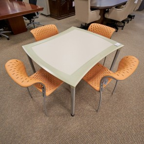 Used Izzy 40x44 Puzzle Table (Tea-Spring Green) 000010573378